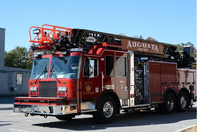 2015 Aerial Truck 640